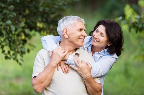 Auch über 70 noch möglich: So erhalten Sie einen Kredit bis ins hohe Lebensalter.